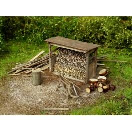 96516 - Abri pour bois avec outils