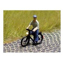 168034 - Cycliste (homme) avec chemise et casquette