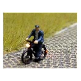 168035 - Cycliste (homme) avec blouson et bonnet