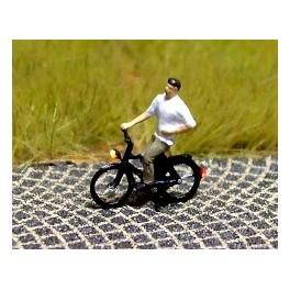 168031 - Cycliste (homme) en chemise à manches courtes